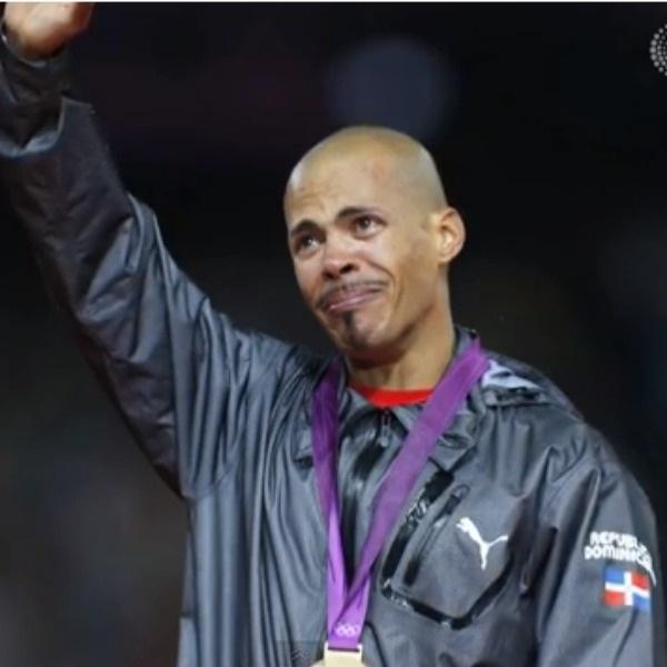 llora1 5 cosas que hace Félix Sánchez cuando gana